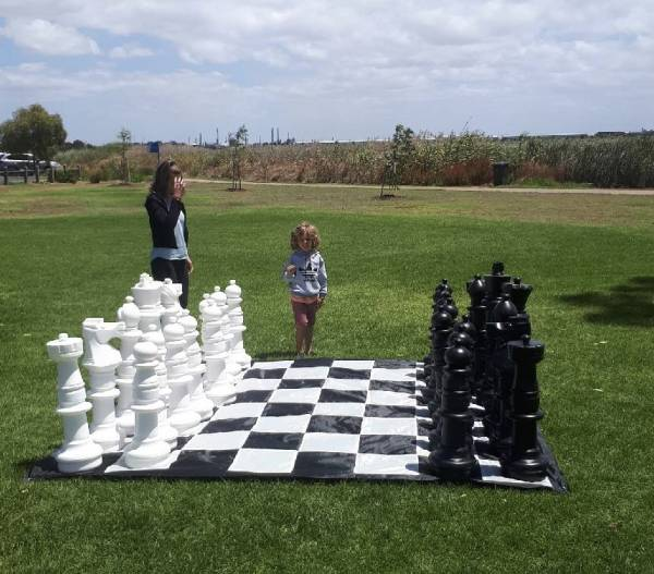 Hire Gigantic Chess